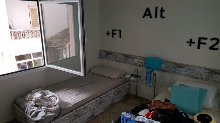 Schlafzimmer im bedndesk Mallorca
